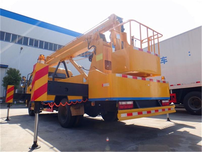 亚博体育官网多利卡18米高空作业车