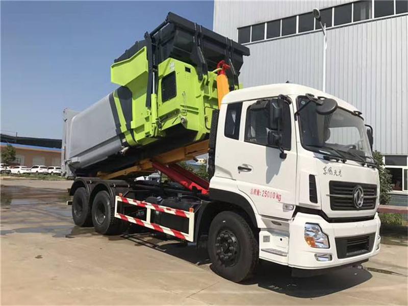 最新东风天龙15方勾臂式垃圾车图片