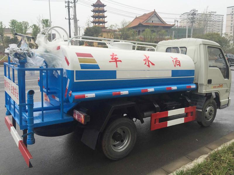 福田时代小型洒水车