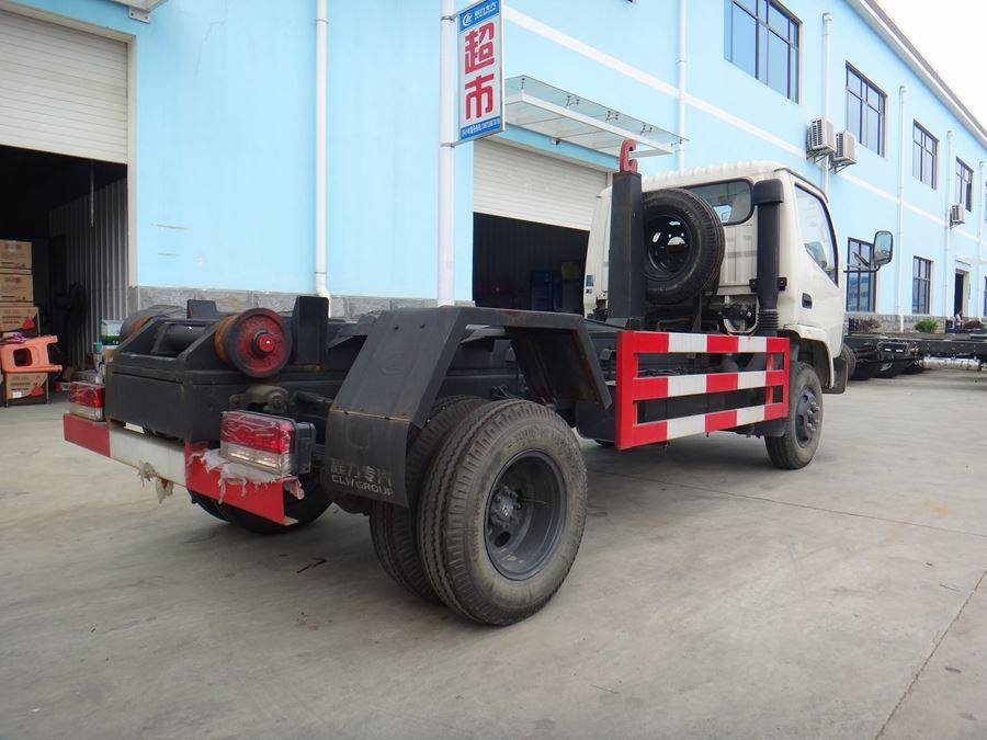 东风小多利卡4方拉臂式垃圾车