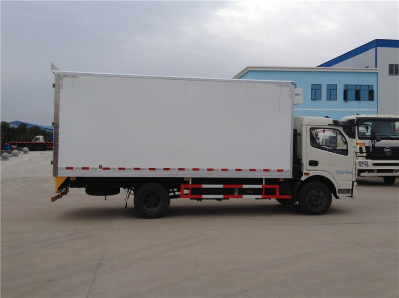 东风多利卡5.1米冷藏车