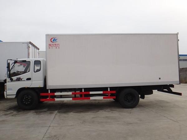 福田欧马可6米冷藏车