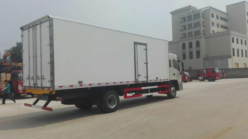 江淮格尔发7米冷藏车