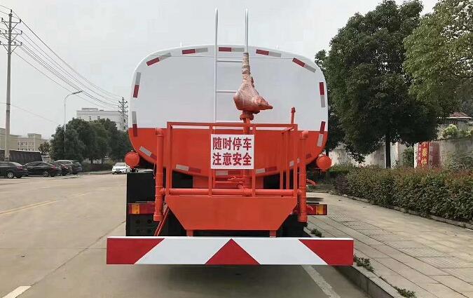 东风天龙后双桥洒水车后平台