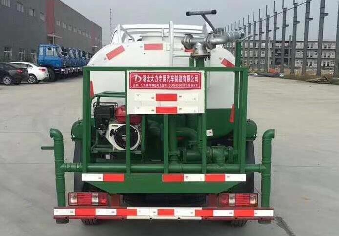 昌河2吨汽油洒水车后平台