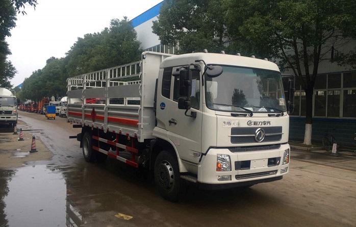 东风天锦6.6米气瓶运输车图片