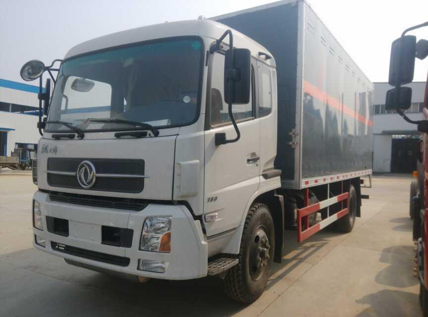 东风天锦爆破器材运输车(6.2米)