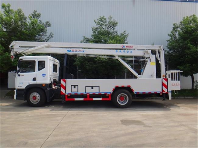 东风D9型18米折臂式高空作业车