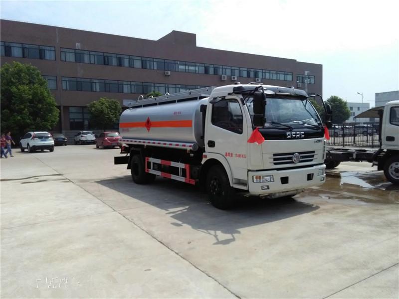 亚博体育官网多利卡8方流动加油车