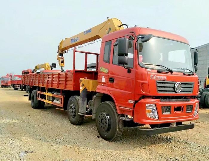 东风10吨随车起重运输车图片