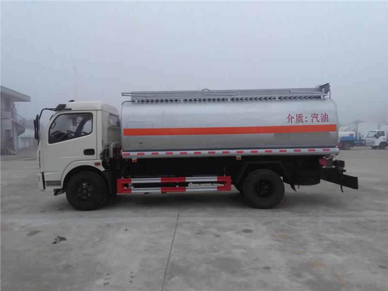 亚博体育官网多利卡10方流动加油车