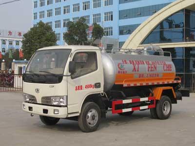 CLW5820F吸糞低速貨車