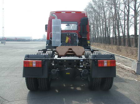 集装箱半挂牵引车(ca4252p21k2t1a3xe型解放牌集装箱半挂牵引车 一汽