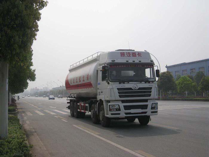 陕汽德龙龙帝低密度粉粒物料运输车
