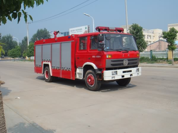JDF5151GXFPM70/A泡沫消防車