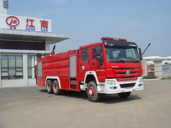 JDF5313GXFPM160泡沫消防車