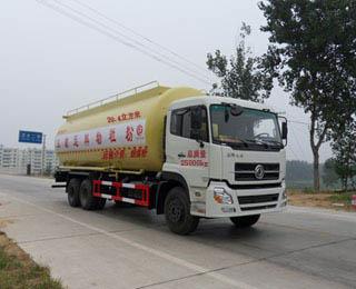 东风天龙32方低密度粉粒物料运输车