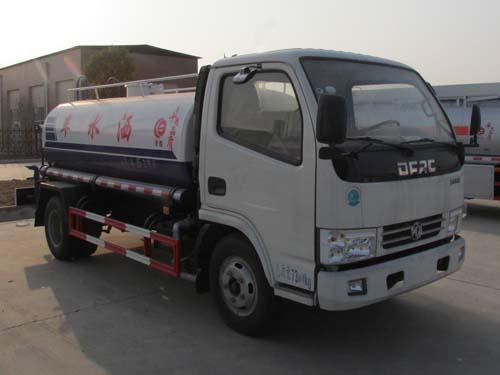 东风小多利卡型5吨洒水车