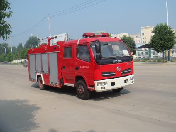 东风多利卡3.5吨江特水罐消防车