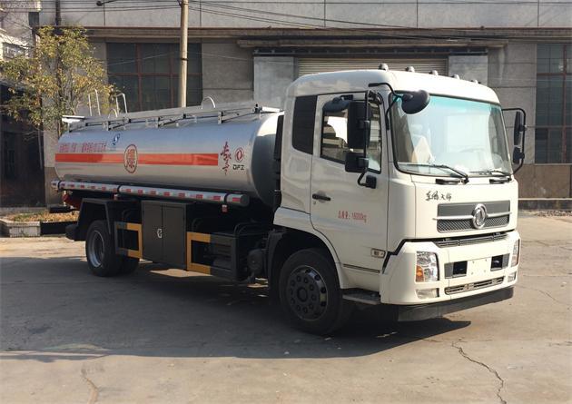 天锦加油车(东风加油车DFZ5160GJYBX5S)图片