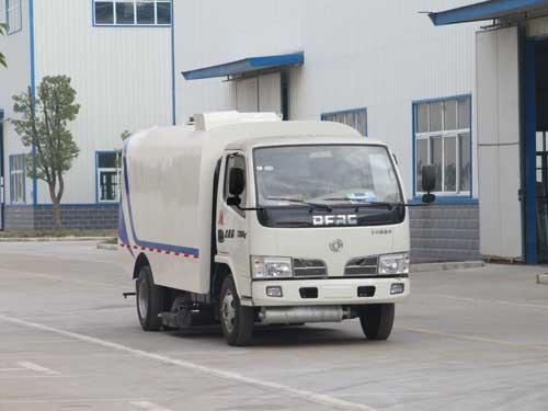 CLQ5070TXC4吸尘车
