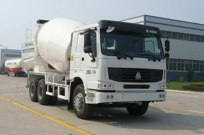 华宇达牌5方混凝土搅拌车(LHY5258GJBZ1)全国领先的大架制作工艺