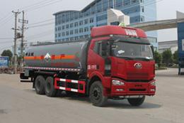 CLW5250GFWC4腐蝕性物品罐式運輸車