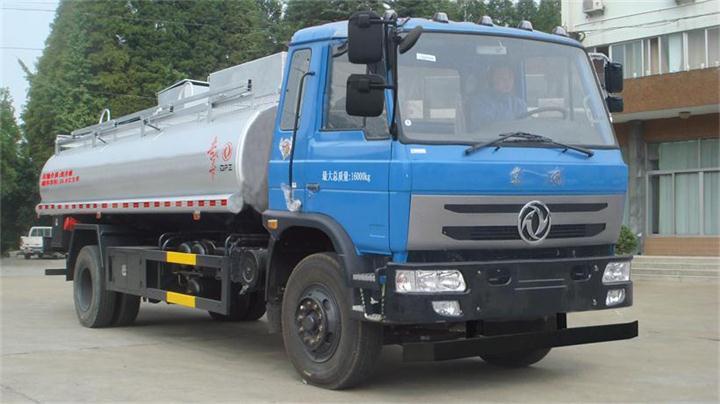 东风153供液车
