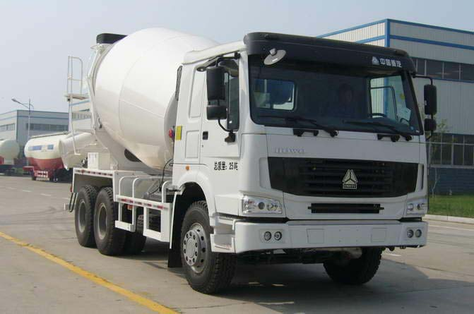 华宇达牌5方混凝土搅拌车(LHY5258GJBZL)传承了重汽的高端品质!