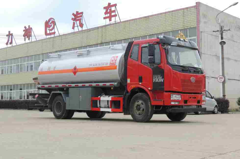 SLS5160GJYC4P62型加油車