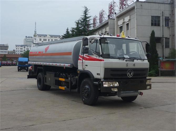 东风油罐车图片