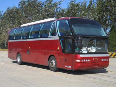 豪华旅游客车图片
