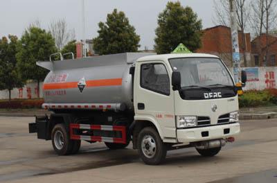 SCS5070GFW型腐蚀性物品罐式运输车