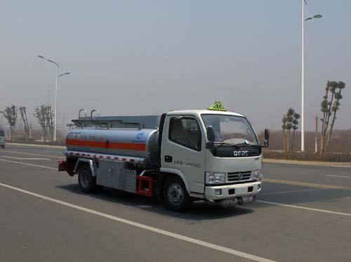久龙牌2吨加油车(ALA5040GJYE5)的车型配置分析