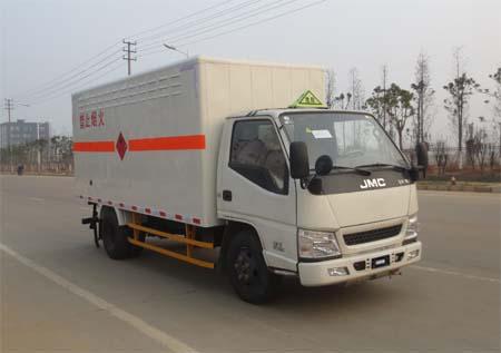 江铃新顺达单排易燃气体厢式运输车图片