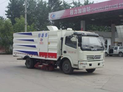 东风大多利卡扫路车(水箱1.5立方,垃圾厢4.5立方)