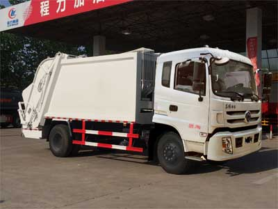 东风特商压缩式垃圾车