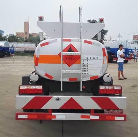 蓝牌油罐车图片