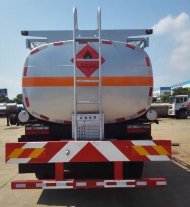 东风10吨加油车图片