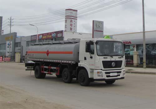 東風隨專運油車(15噸18-19立方)