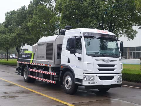 中联车载式混凝土输送泵车图片