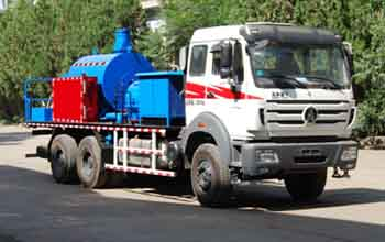 LTJ5203TXL35洗井清蜡车