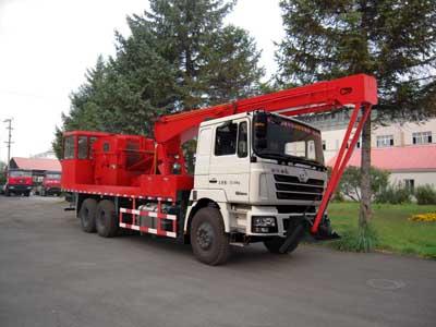 THS5232TCY4前置式采油车
