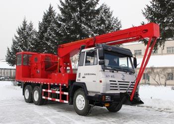 THS5233TCY4前置式采油车