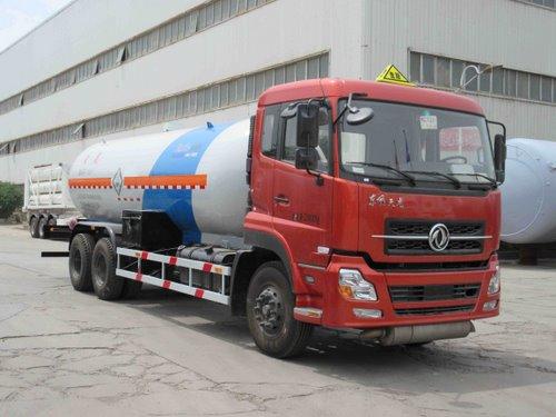东风天龙后八轮液化气体运输车