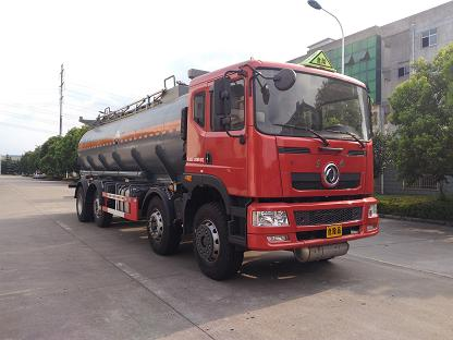 WXQ5320GFWE5腐蚀性物品罐式运输车
