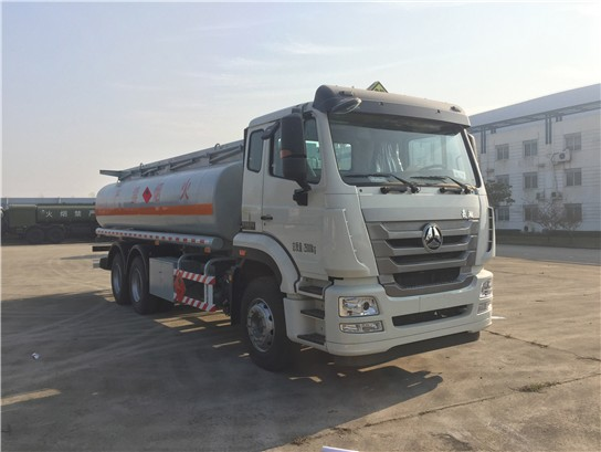 17吨加油车的主要用途及特点