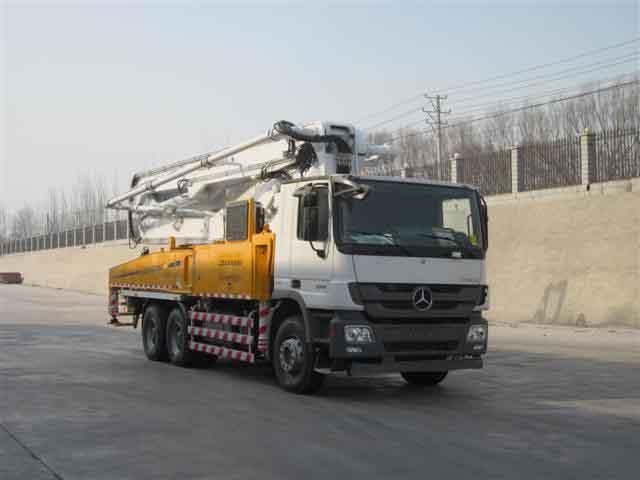 BJ5330THB混凝土泵车