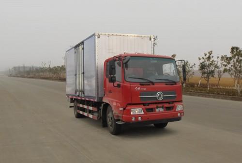 东风天锦平头厢式运输车