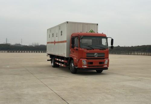 东风天锦平顶易燃气体厢式运输车